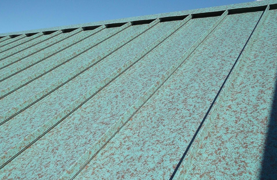 Standing seam roof in Green Copper®