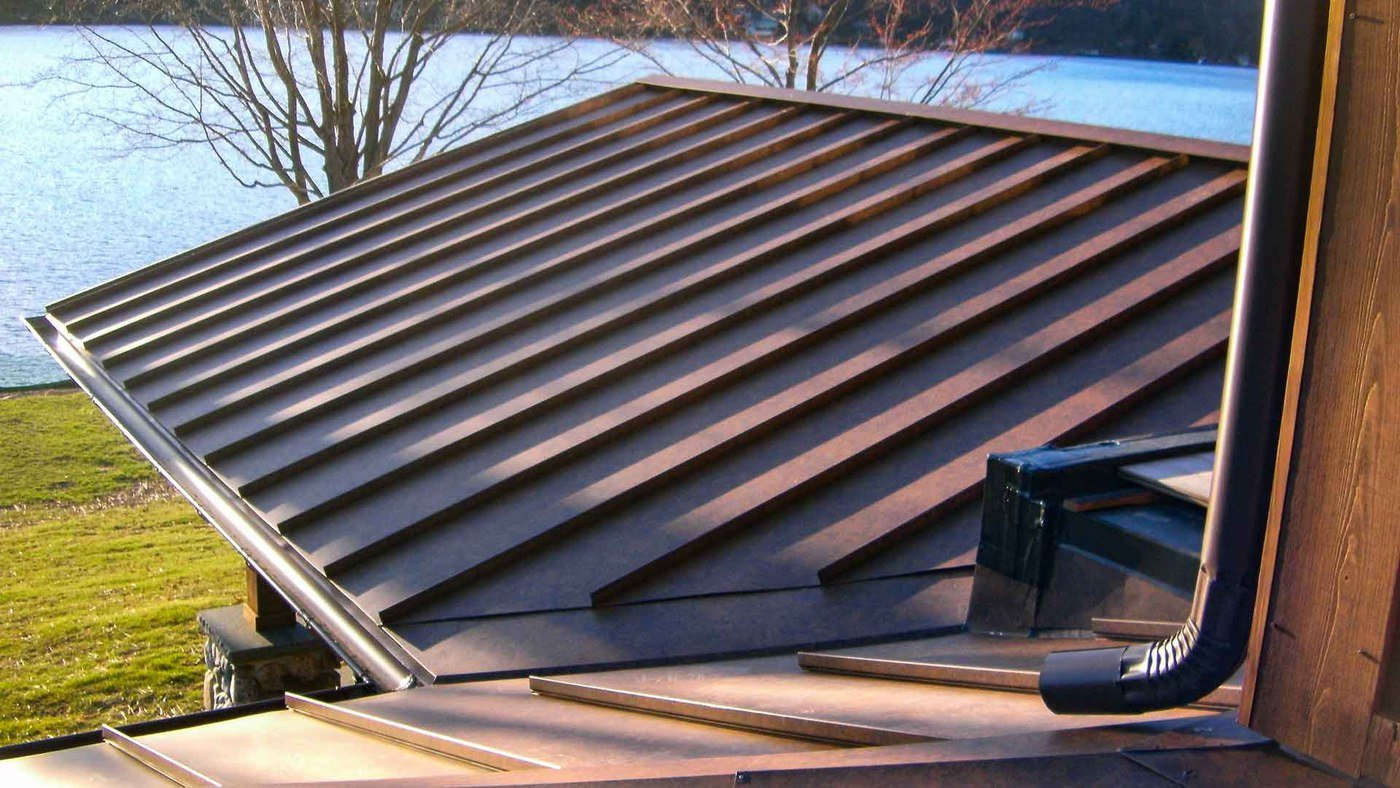 What Is Standing Seam Metal Roofing? A Guide On Panel Systems And Stiffening Ribs